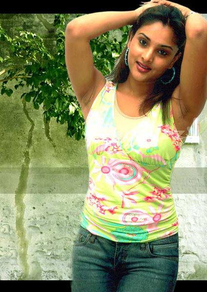 actress ramya shows her hairy armpits hairy sweaty armpits